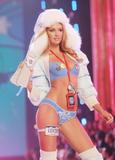 th_00976_Victoria_Secret_Celebrity_City_2007_FS516_123_195lo.JPG