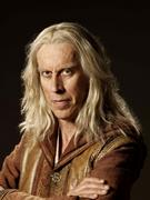 http://img207.imagevenue.com/loc217/th_09562_Legend_of_the_Seeker_S2_Promo3_122_217lo.jpg