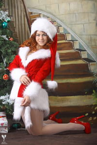 http://img207.imagevenue.com/loc255/th_253142327_silver_angels_Sandrinya_I_Christmas_1_069_123_255lo.jpg