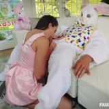 familystrokes.17.04.13.avi.love_snapshot.jpg